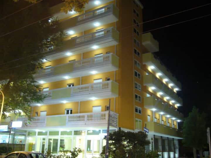 Stanza in hotel a 20 mt dal mare