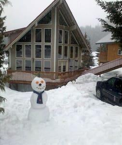 Epic Snoqualmie Pass Cabin - Snoqualmie Pass - 独立屋