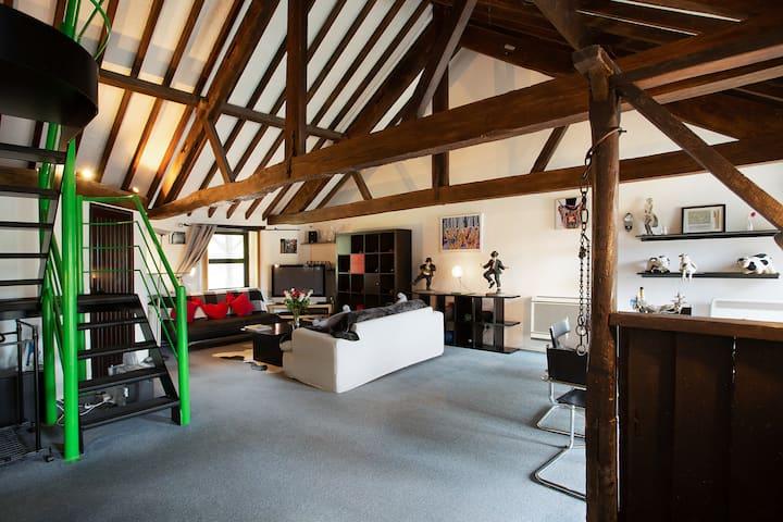 Peaceful Countryside Studio