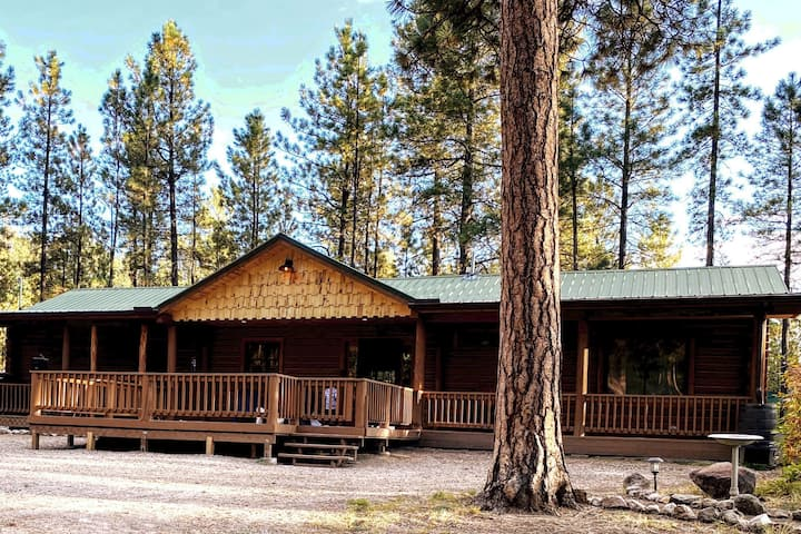 The Freelove Cabin | Your Family Adventure Awaits