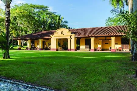 Hacienda Texas - La Pintada - วิลล่า