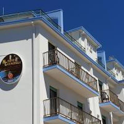 HOTEL CENTRALE  BED&BREAKFAST