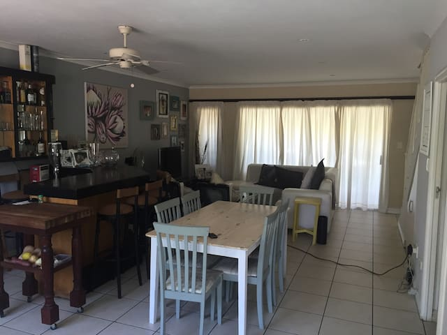 3 bed Duplex in Mount Edgecombe - Mount Edgecombe - Apartamento