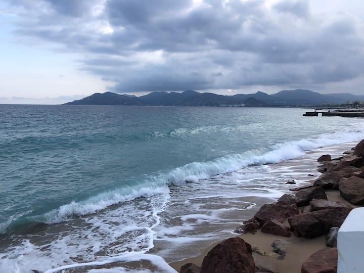 STUDIO Cannes La Bocca proche plages de sable