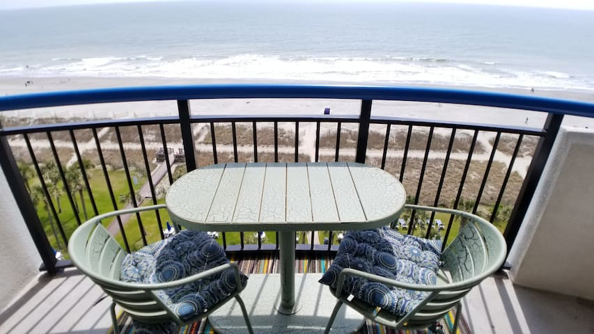 AMAZING OCEANFRT BALC. ○FIREPLACE○ MARCH 1-5 avail