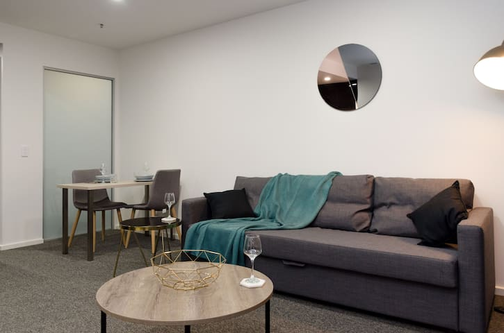 New, Modern 1 Bedroom Apartment - Belconnen