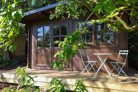 Crackpot Cottage Log Cabin Glamping