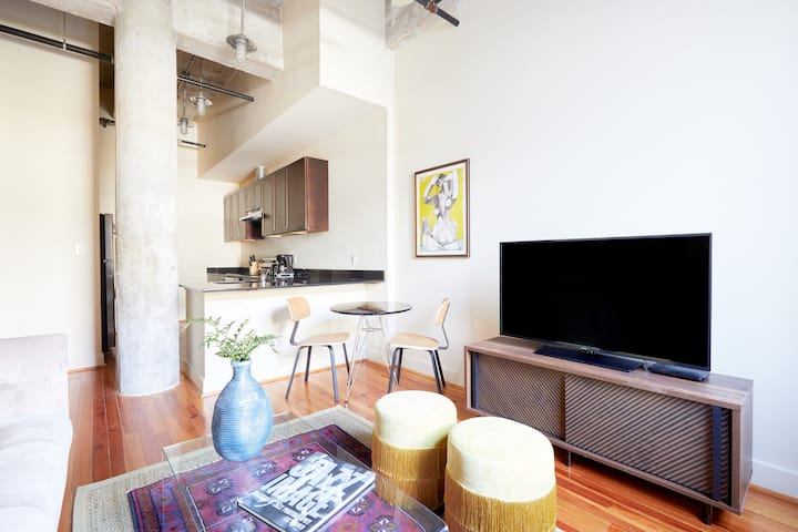 Sonder | 1BR Near Lafayette Square | Discounted Rates