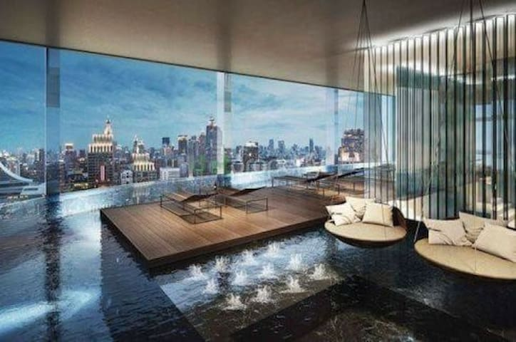 曼谷顶级奢华 360度sky无边际泳池 俯瞰全曼谷无敌夜景 central world 四面佛