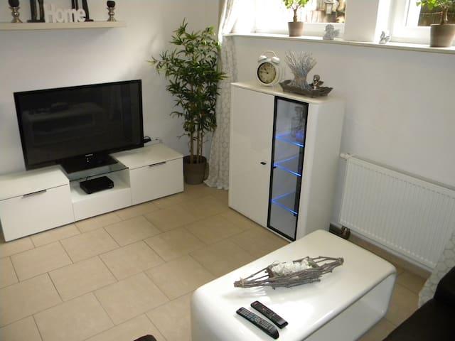 NEU!!! Moderne 67qm Ferienwohnung BJ2005/2016 - Schermbeck - Apartamento