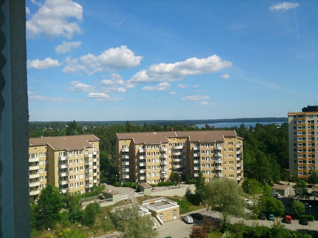 Room with a view, 30 minutes to the inner city - Täby - Huoneisto