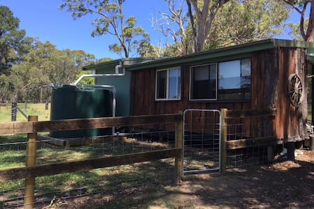 Dog + Horse  friendly Cabin on acreage - - Wyee - Cabana