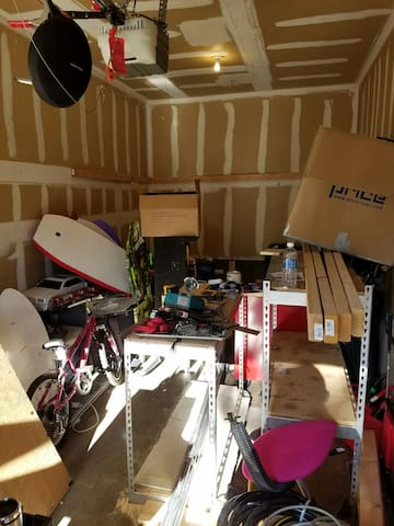 Garage made available for travelers - Rancho Cucamonga - Appartement