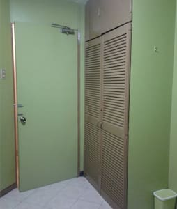 DOUBLE BED ROOM (Up to 4 pax) - Cebu City