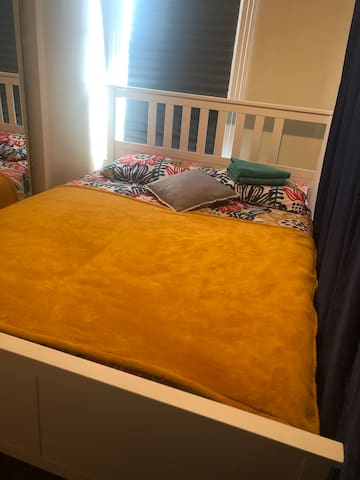 Lucky & comfy bed in Homecrest (semi privacy)