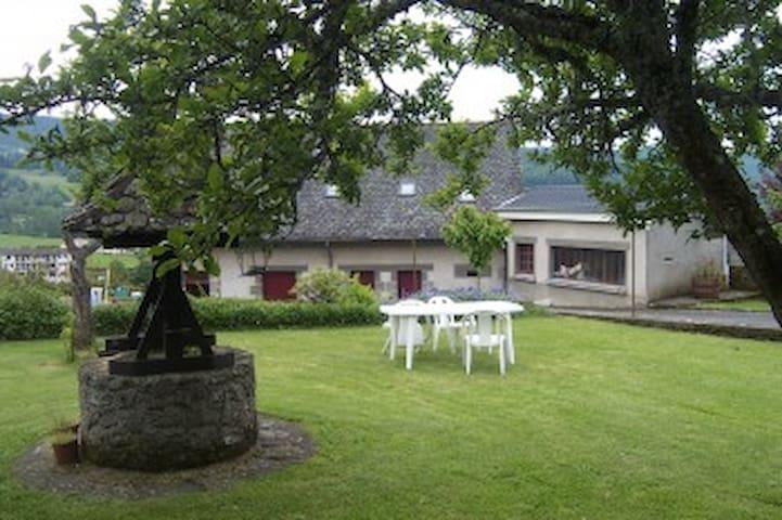Gite  a Polminhac pres d' Aurillac et Vic sur Cere - Polminhac - House