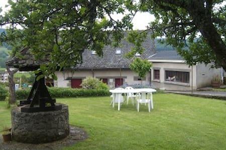 Gite  a Polminhac pres d' Aurillac et Vic sur Cere - Polminhac - Casa