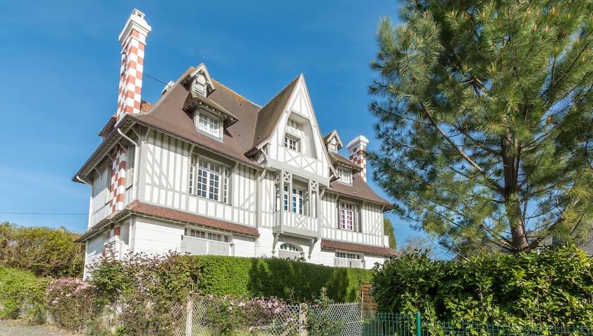 Deauville Studio Norman Manor