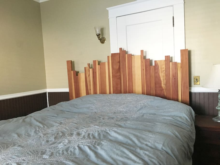 Bedroom 1: King-sized bed, one closet available