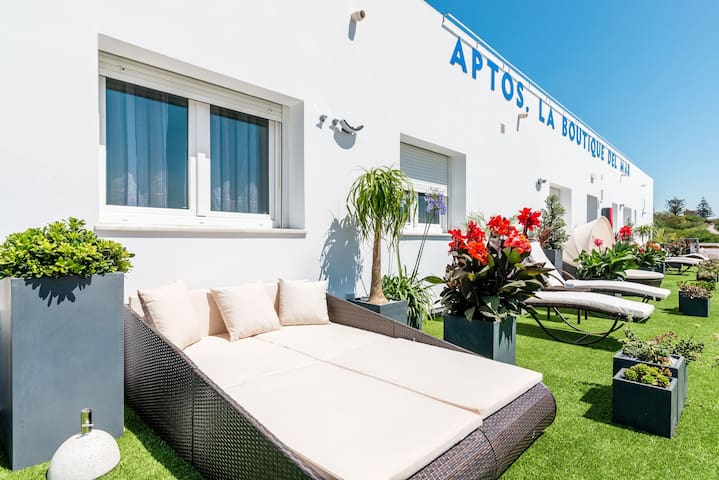 Modern, with roof terrace and very close to the beach - Apartamento La Caracola