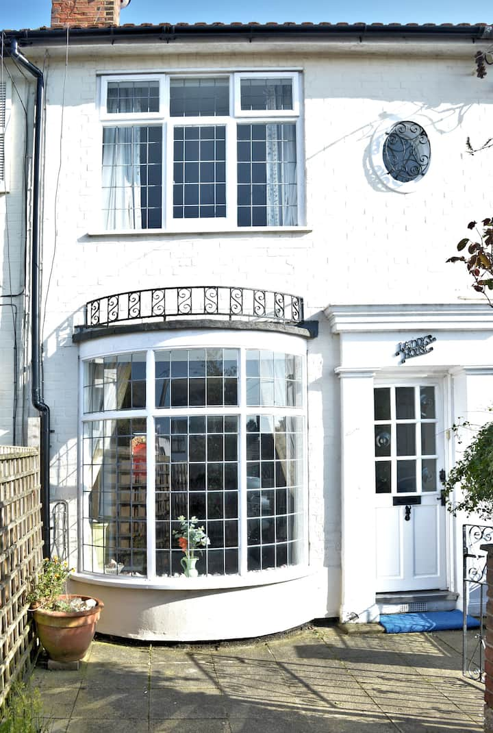 English Seaside Holiday in 2 bed Victorian House