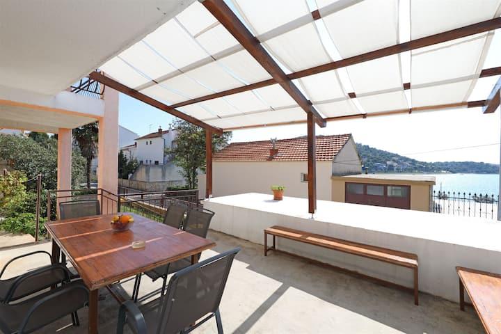 Four bedroom Apartment, 200m from city center, seaside in Tisno - island Murter, Terrace