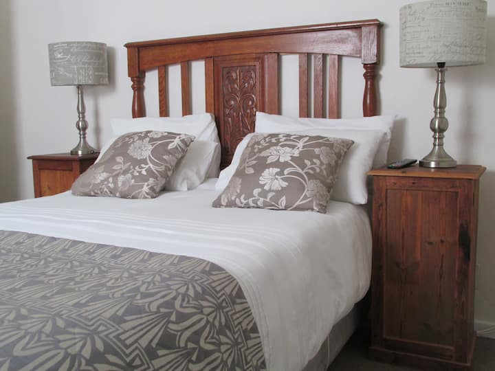 Garden Route En-Suite Double Room With Shower