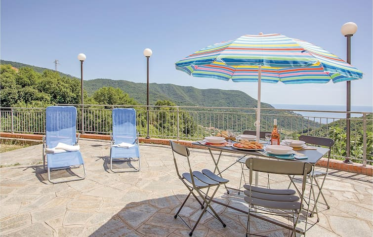 Holiday apartment with 1 bedroom on 40m² in Moneglia -GE-
