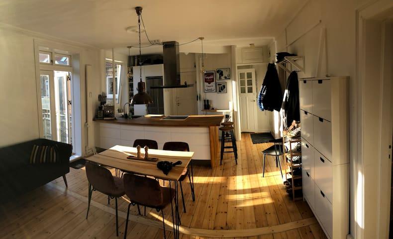 Family friendly apartment with balcony, Vesterbro