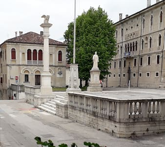 Piazza Maggiore, at the heart of the old city