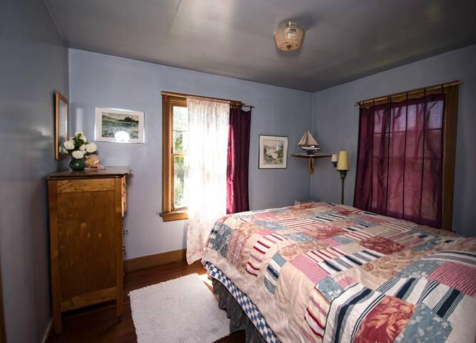 Queen bedroom, nature viewing large windows