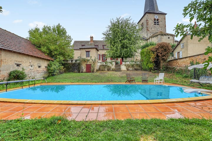Villa with 4 bedrooms in Lucenay-lès-Aix, with private pool, enclosed garden and WiFi