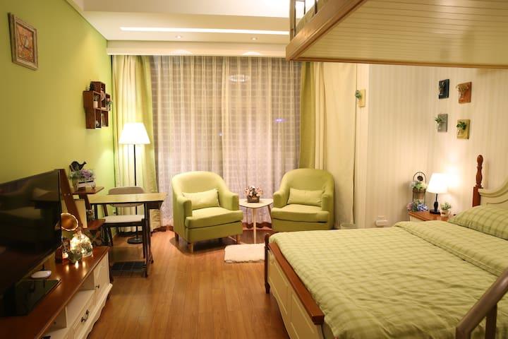 【新】睡在西湖边 住进人情里|西湖、地铁龙翔桥站、河坊街、南宋御街、湖滨复式田园房 - Hangzhou - Apartment