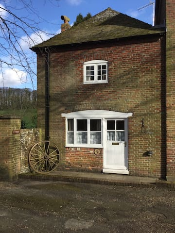 Coach Cottage  Swarling Manor - Kent - Huis