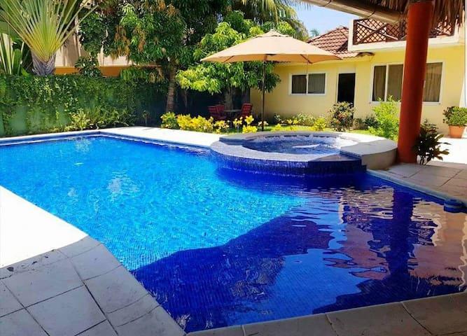 (Resort) Casa en la Playa  Condominio San marino