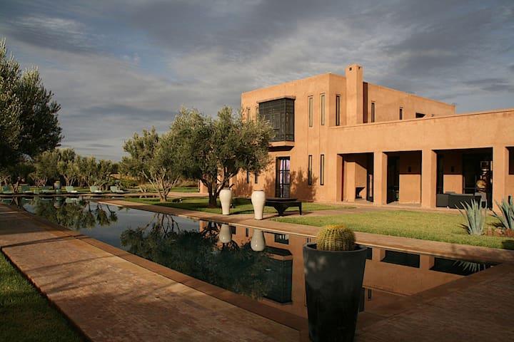 Ksar d'architecte tout en terre - Marrakech  - Hus