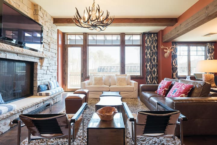 Winter Rates Reduced! Alluring Condo, Silver Strike #304, with lodge amenities