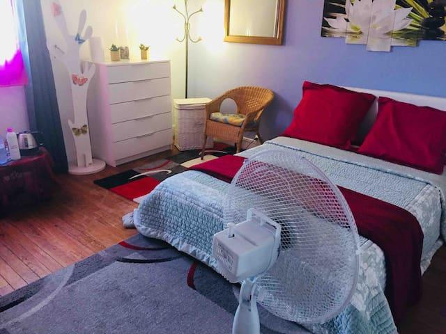 Jolie chambre pour deux personnes