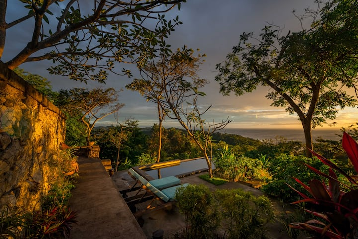 Airy tropical villa sleeps 8, 180°ocean view, pool