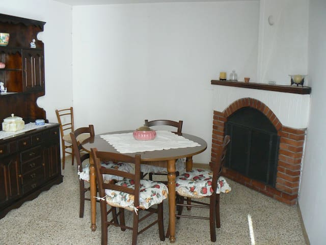 Grazioso appartamento in montagna - Cerageto - Casa