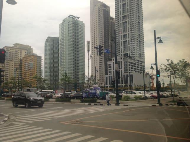 SOMA Fort Bonifacio Taguig City - Makati - Condominium
