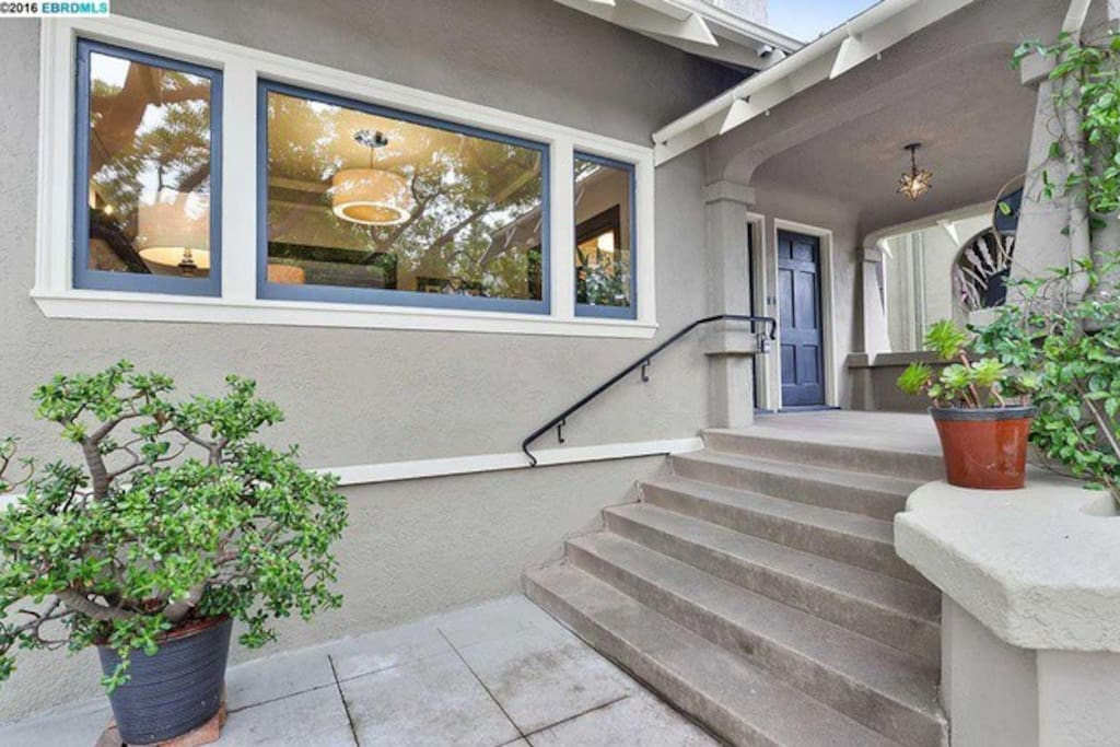 Craftsman 1 Bedroom Home In Charming Rockridge Houses For Rent In Oakland California United