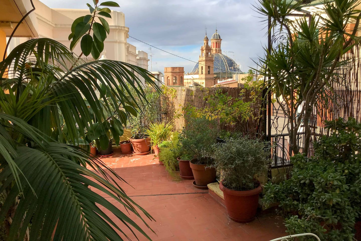 Open Plan Rooftop Apartment with Garden - Apartments for Rent in ...