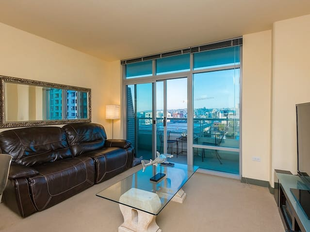 Perfect Little Italy Condo for 2