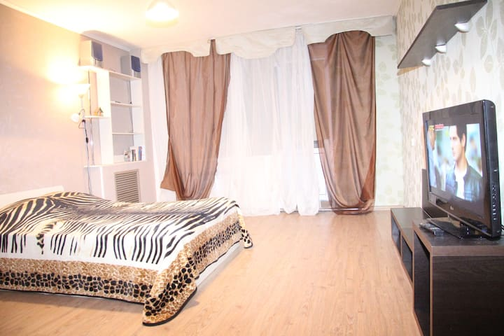 квартира рядом с  Памятником Славы - Voronez - Apartment