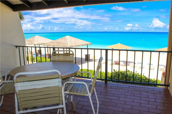 Lacovia Grand Cayman Unit 07