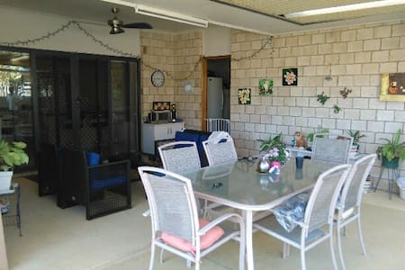 Your home away from home in Hervey Bay - Urangan