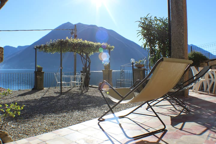 Apartment Luna - Great Lake Views! Great reviews!