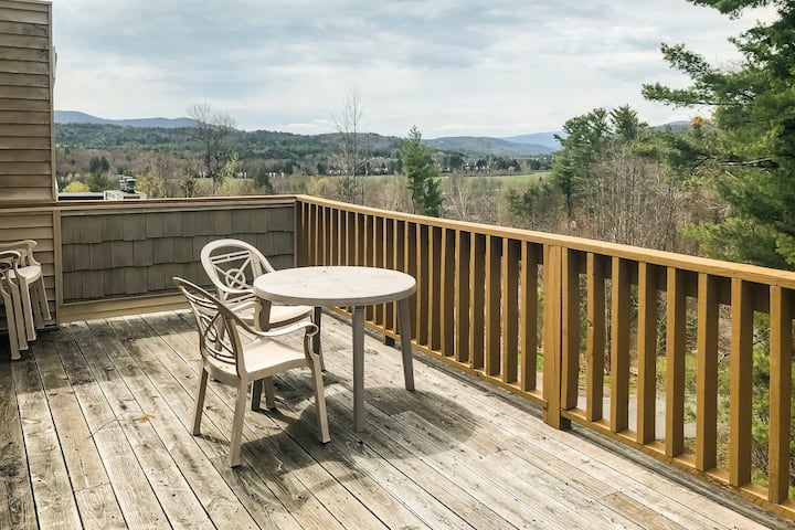 New listing! Secluded condo w/ private balcony, forest views, & fireplace!