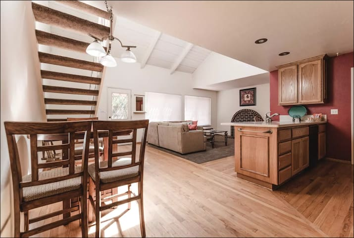 Beautifully Furnished 2 Story Get-Together Home!